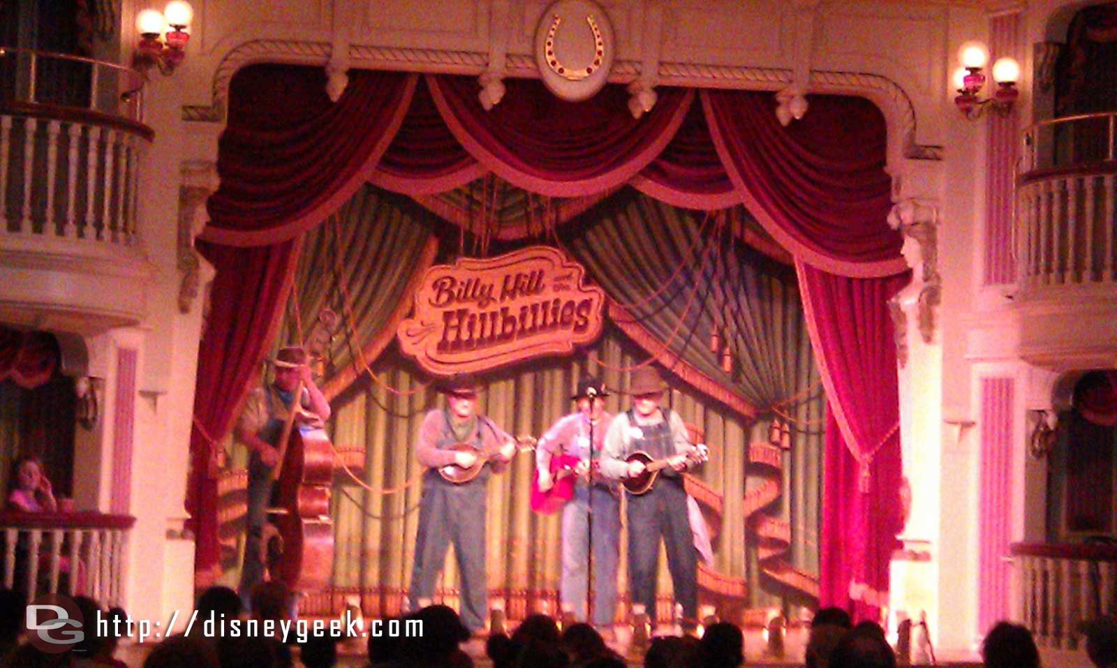 The Billies are back inside the Golden Horseshoe, also the menu has gone back to corn dogs, chicken nuggets, etc