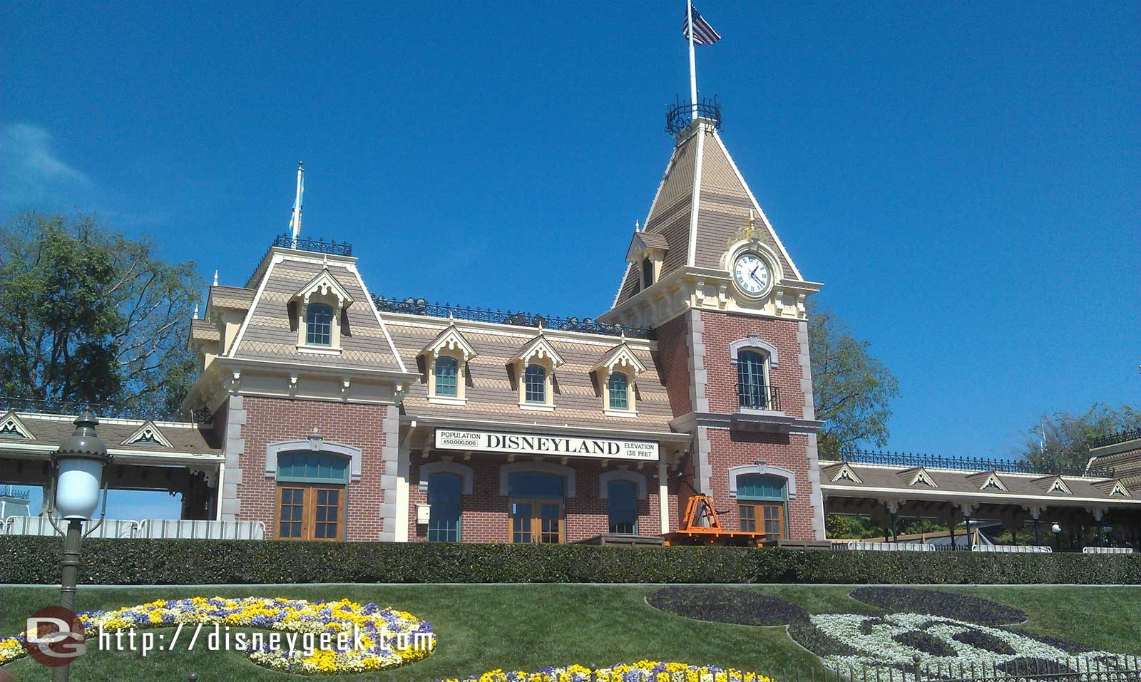 Just arrived at #Disneyland for the afternoon.  The Main Street train station scaffolding is down, but not open