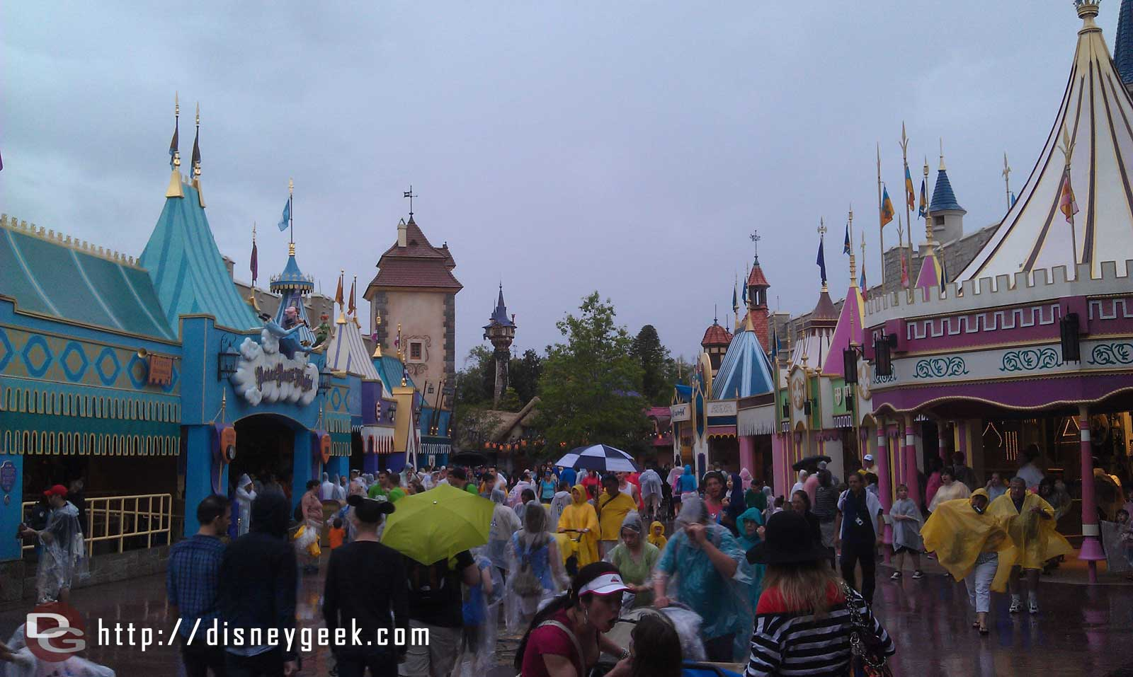 A lot of guests and activity in the original Fantasyland too