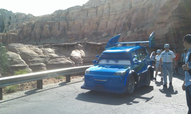 DJ rolling out for a dance party #CarsLand