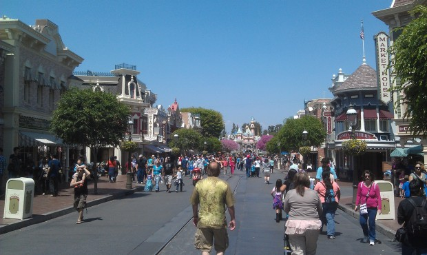 Just arrived @DisneylandToday A look at Main Street USA