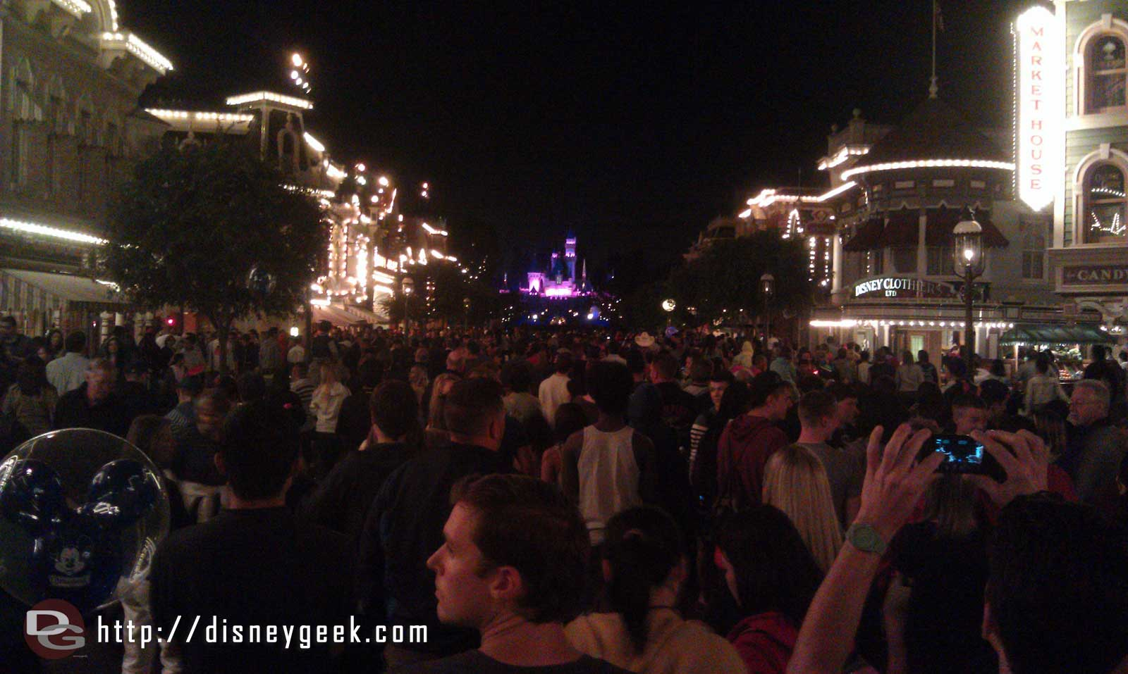 Made it to Main Street for Remember with a minute to spare