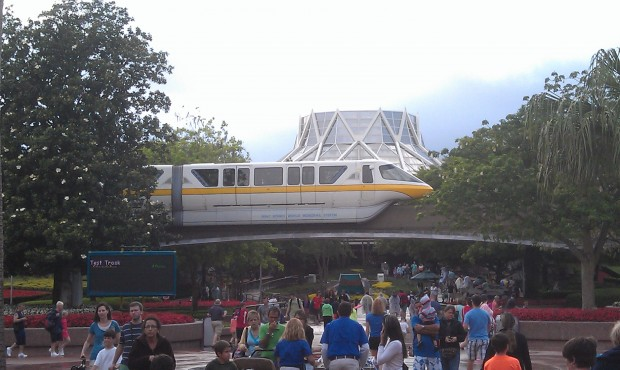 Monorail Yellow paused for some photos near the Land, great job by the pilot to stop for photo while waiting
