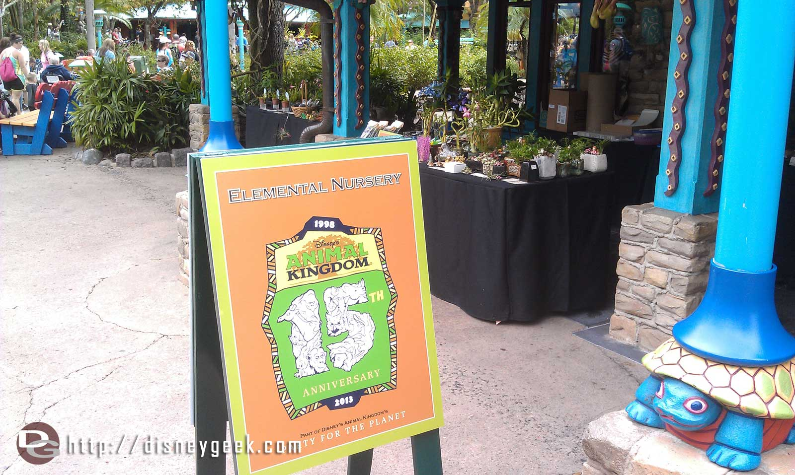 On Discovery Island there are vendor tabled/displays.  Here is one for Elemental Nusery #DAK15