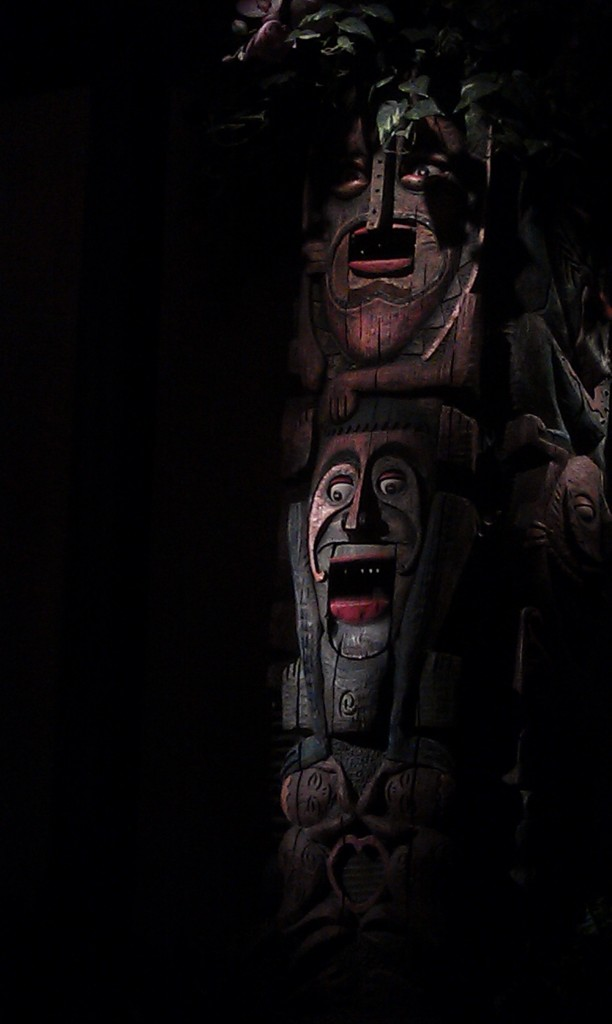 One more Tiki Room picture