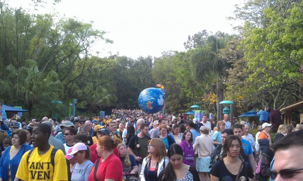 The Earth ball making its way through the crowd #DAK15
