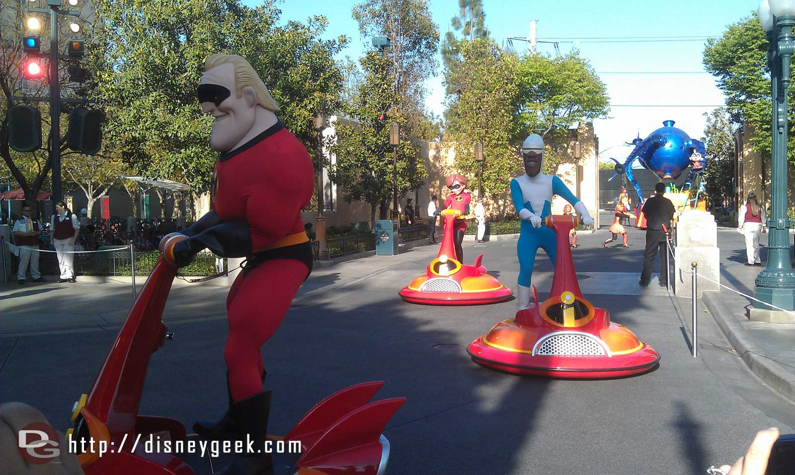 The Incredibles lead off the Pixar Play Parade now.