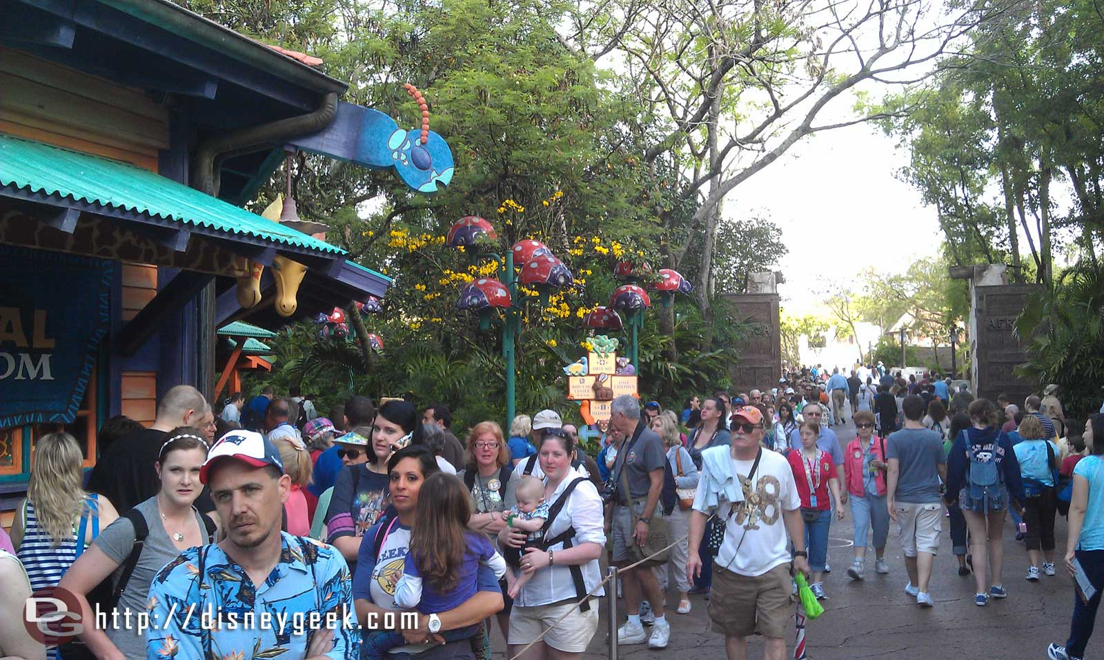 The merchandise line stretches from Creature Comforts back into Harambe and wraps around out there #DAK15