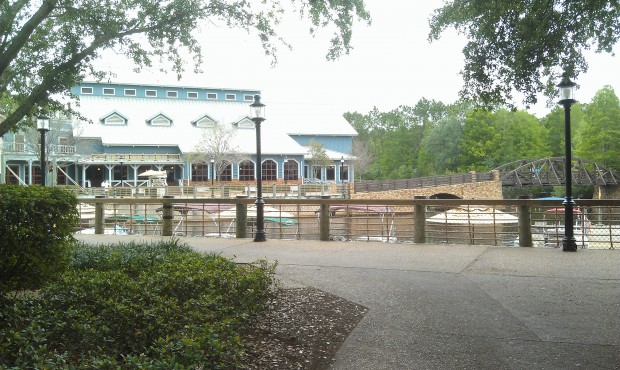 Walking through Port Orleans Riverside