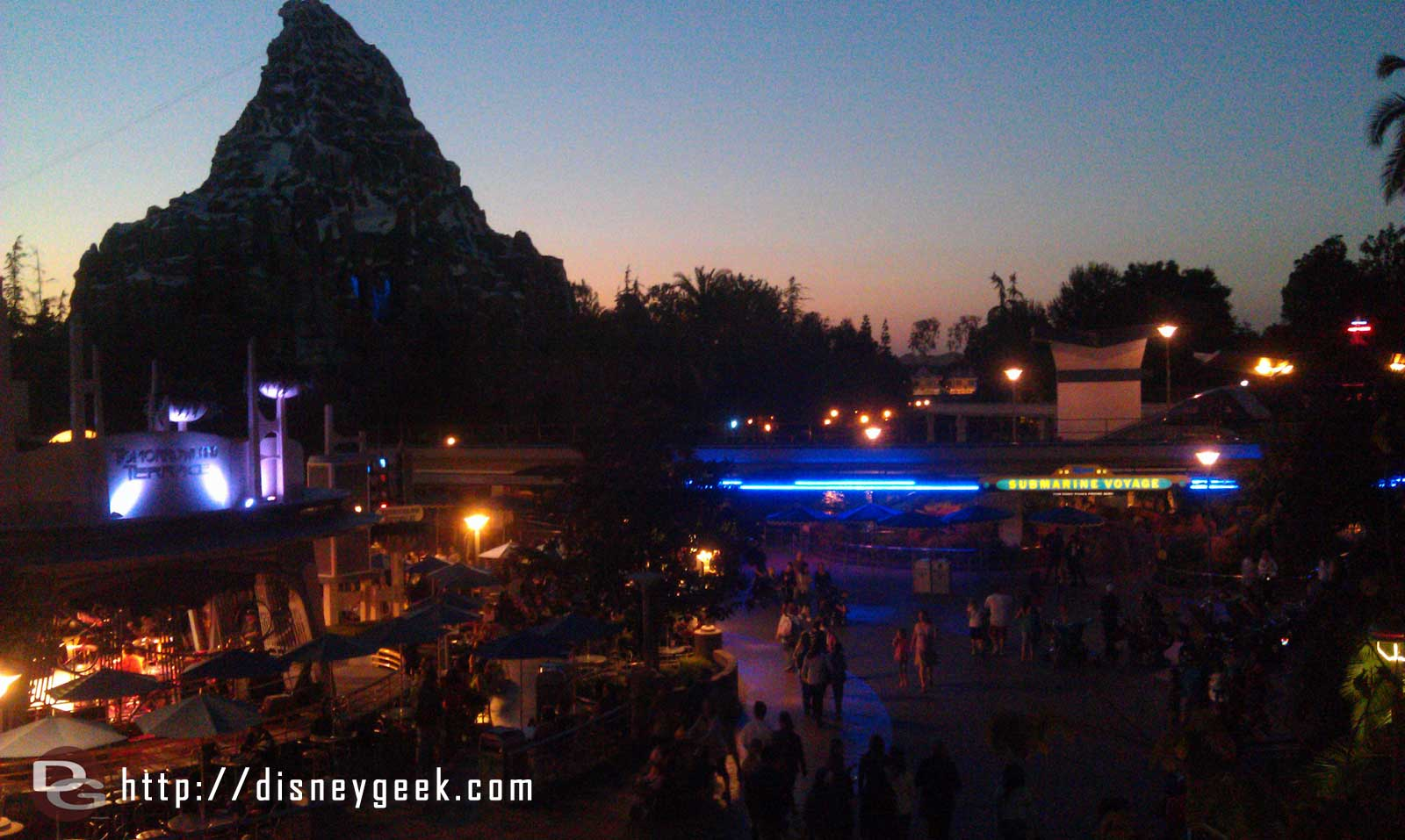 With the subs and Space Mountain closed Tomorrowland is relatively calm to walk around