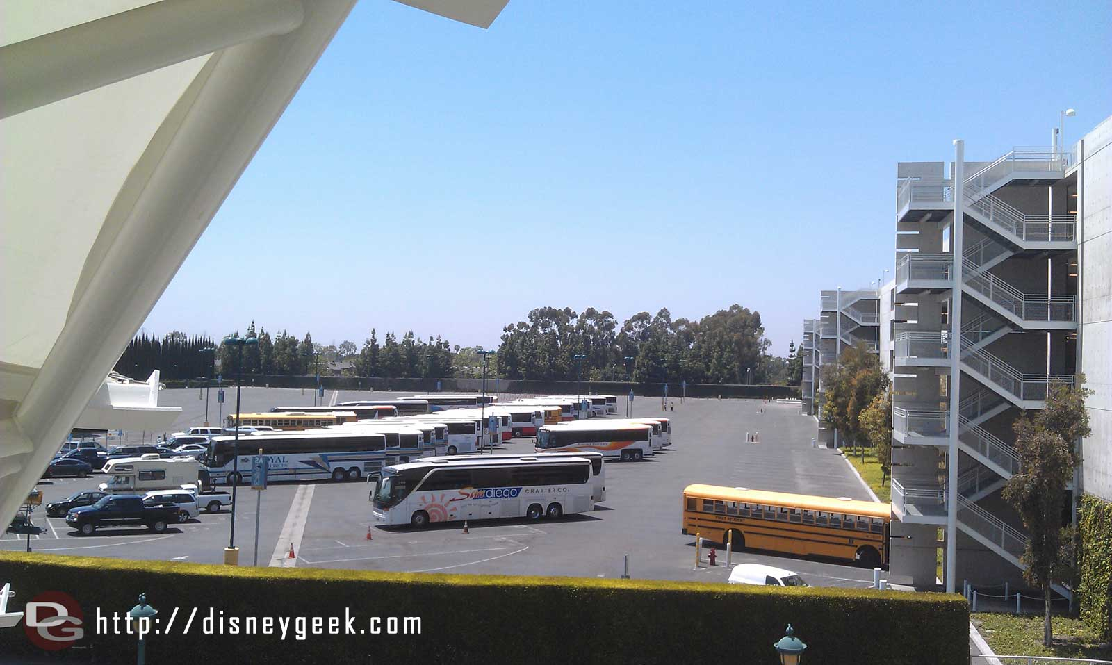 Just arrived at the #Disneyland Resort for the afternoon/evening.  Not that many buses in the lot yet.