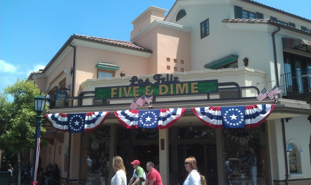 Just arrived at the #Disneyland Resort for the festivities.  #BuenaVistaStreet decked out for Memorial Day