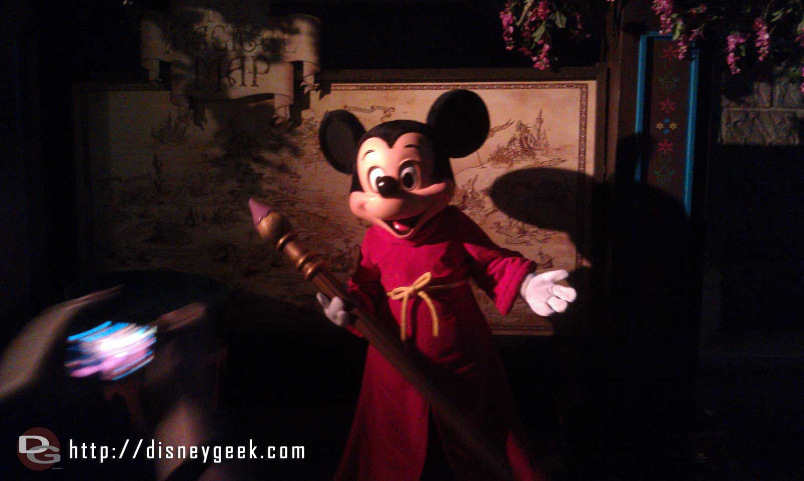Mickey celebrating after the Premiere of his new show #JustGotHappier