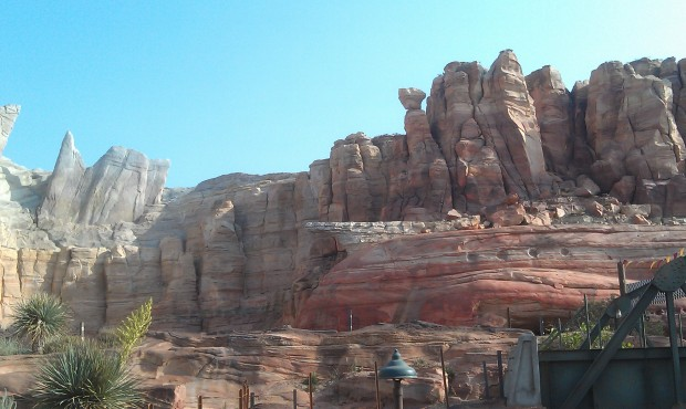 Ornament Valley this evening #CarsLand the wait posted at 75 min