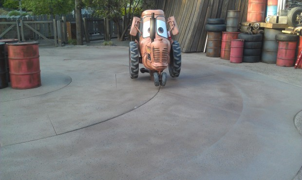 Square dancing with Mater and the baby tractors in #CarsLand