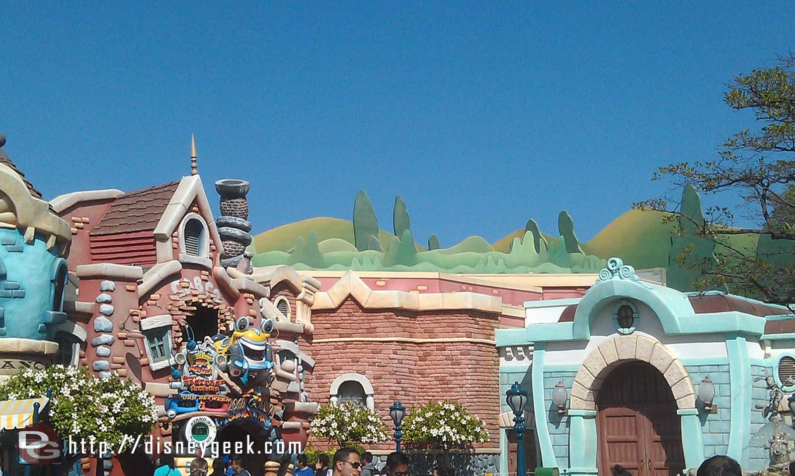 Looks like the hills of Toontown have a new ridge blocking the safety railings.