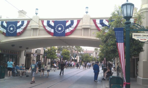 Just arrived at the #Disneyland Resort, #BuenaVistaStreet is calm right now.