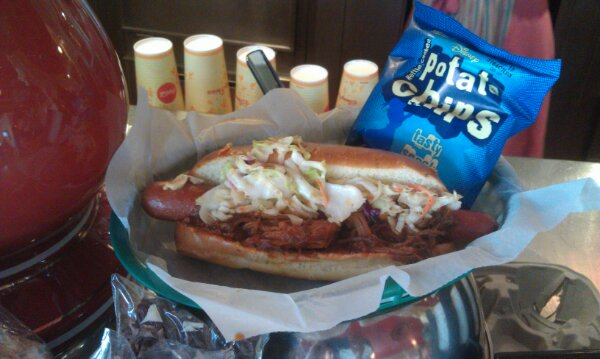 Pulled pork hot dog with slaw for Independence Week #LimitedTimeMagic