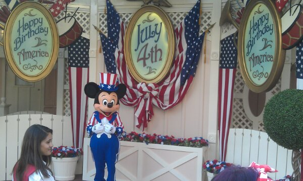 Mickey is wearing red, white, and blue for Independence Week #LimitedTimeMagic