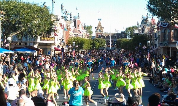 Finally the end is in sight in the distance.  The whole time Walking on Sunshine was playing along the parade route