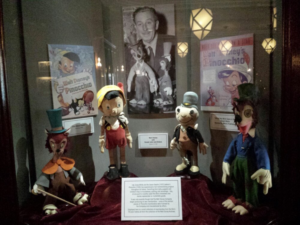 A Pinocchio display in the Carthay #BuenaVistaStreet