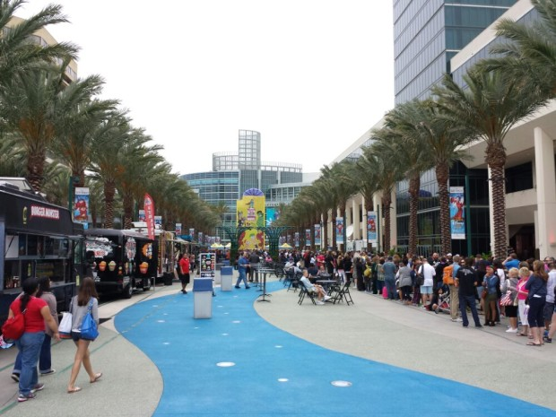 D23 Expo 2013 - The lines just before 8am