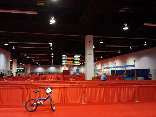 D23 Expo - Before the day started I snapped this picture of an empty queue for StagePass