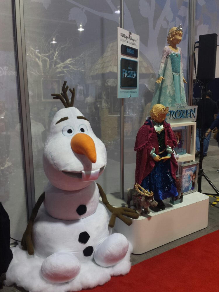 Today Frozen merchandise is shown at the Disney Store #D23Expo