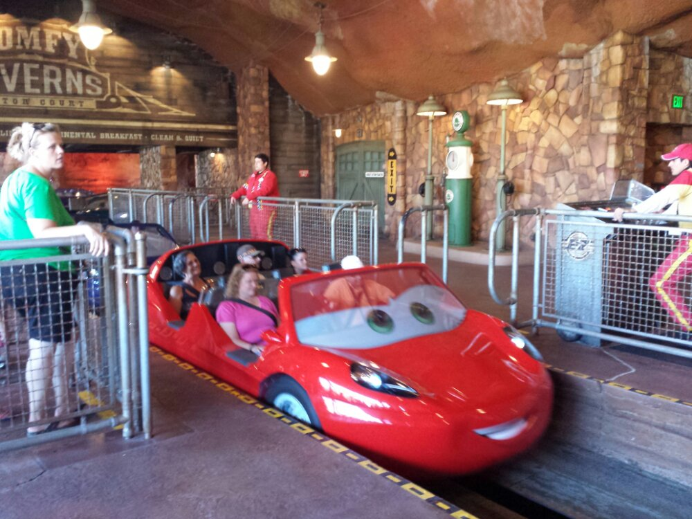 Racers only a 10 min single rider wait so went for a spin #CarsLand
