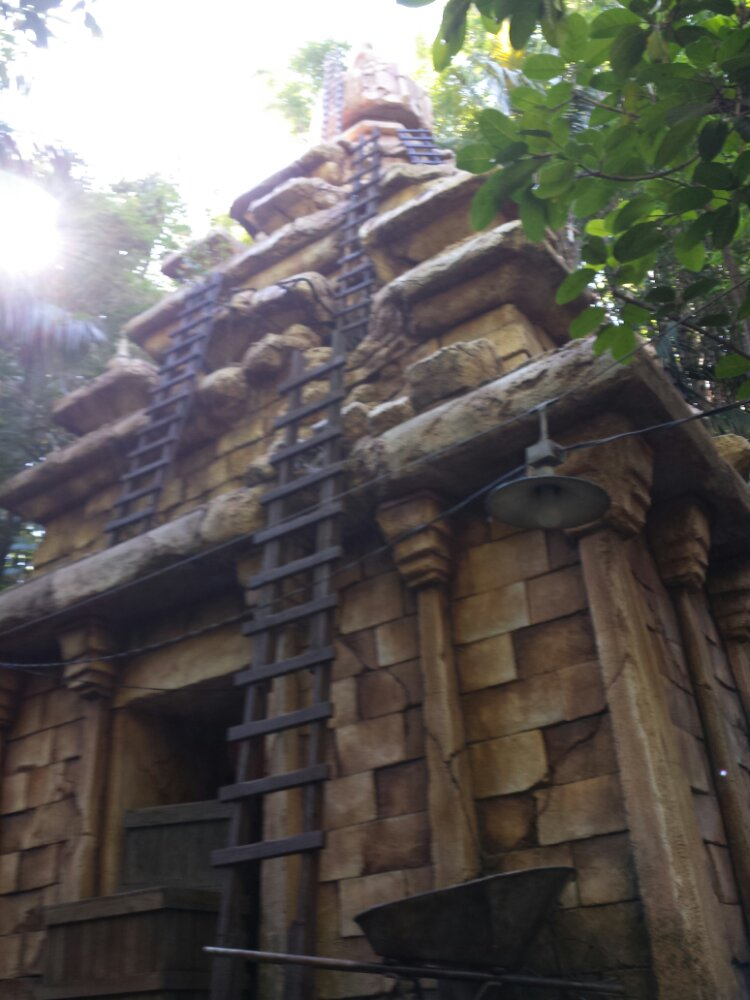 Stopped by Indiana Jones to see the new Mara effect, will post the pic & video tomorrow.