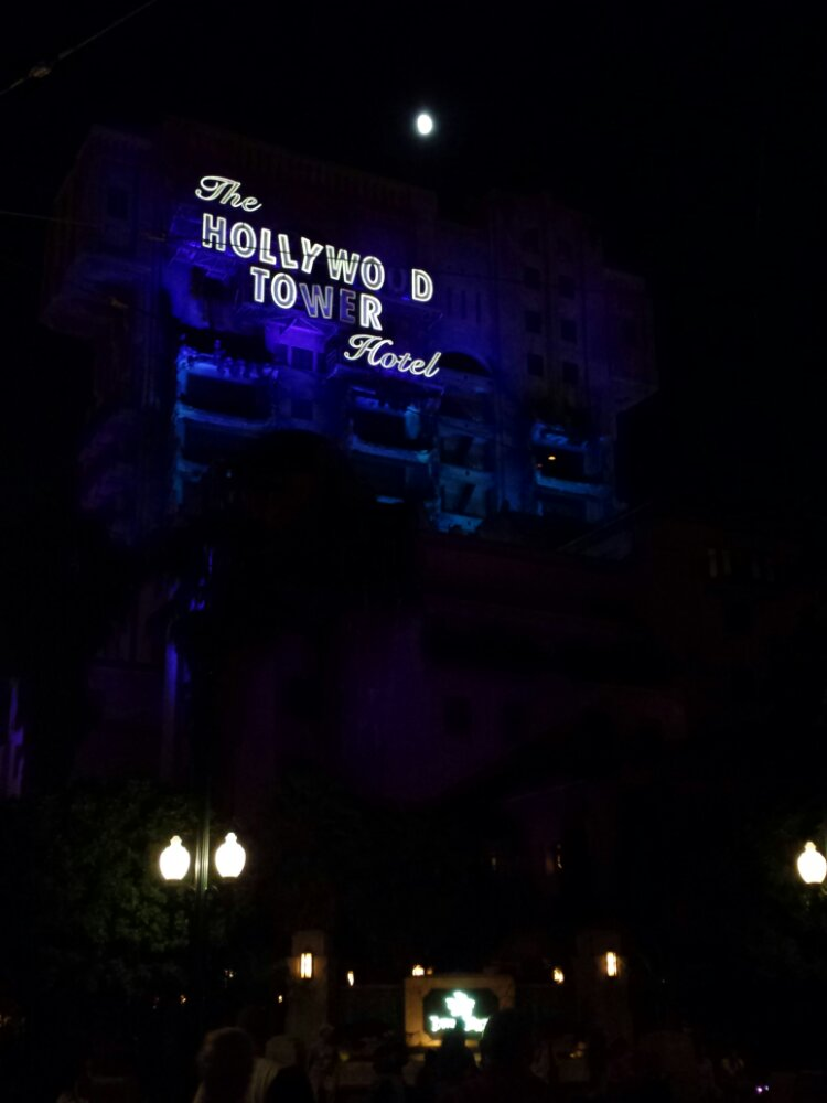 The parks are not crowded this evening.  Tower of Terror has a posted 15min wait