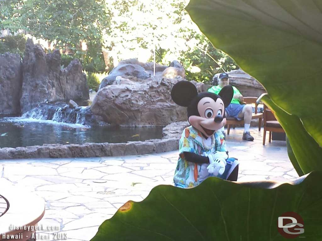 Mickey greeting guests #Aulani