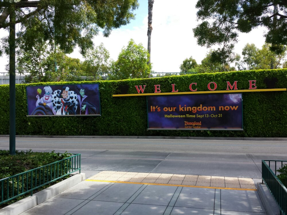 Just arrived at #Disneyland Halloween billboards are up at the Mickey and Friends tram stop.