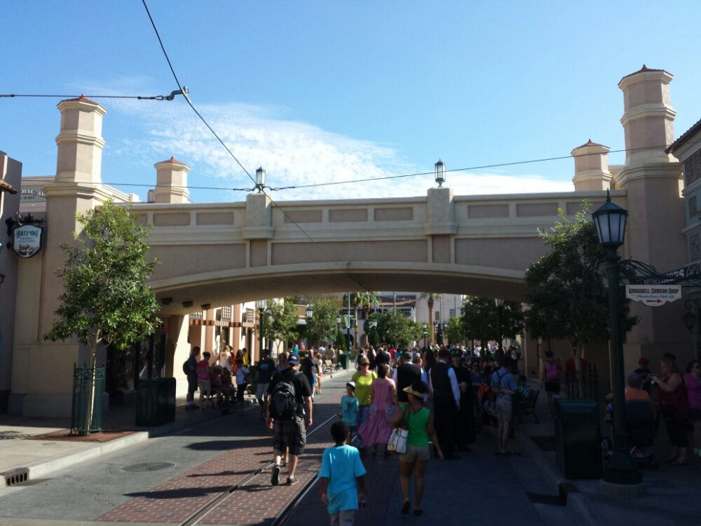 Over to DCA #BuenaVistaStreet this afternoon