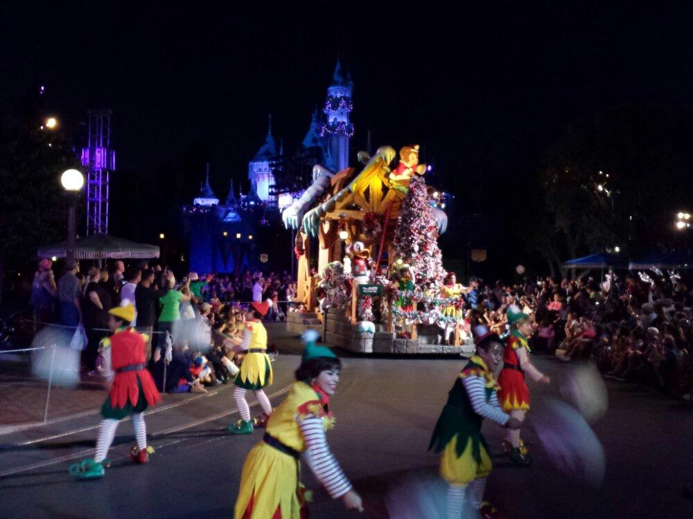 A Christmas Fantasy parade #DisneyHolidays