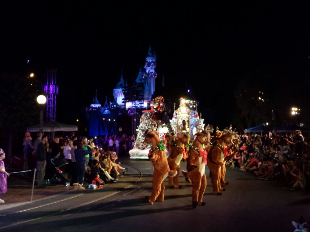 Santa and his reindeer in A Christmas Fantasy Parade #DisneyHolidays