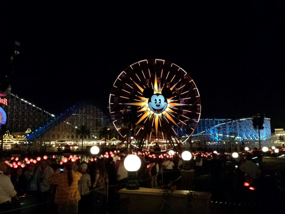 Waiting for World of Color Winter Dreams #DisneyHolidays
