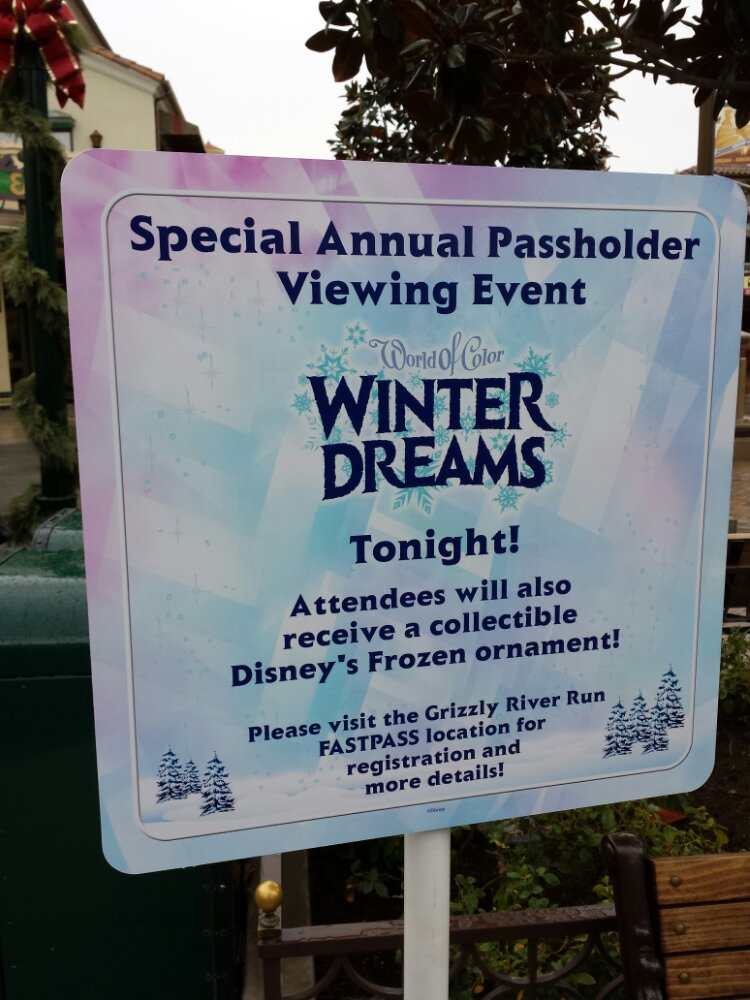 Annual Passholder viewing of Winter Dreams this evening, plenty of ornaments when I walked by.
