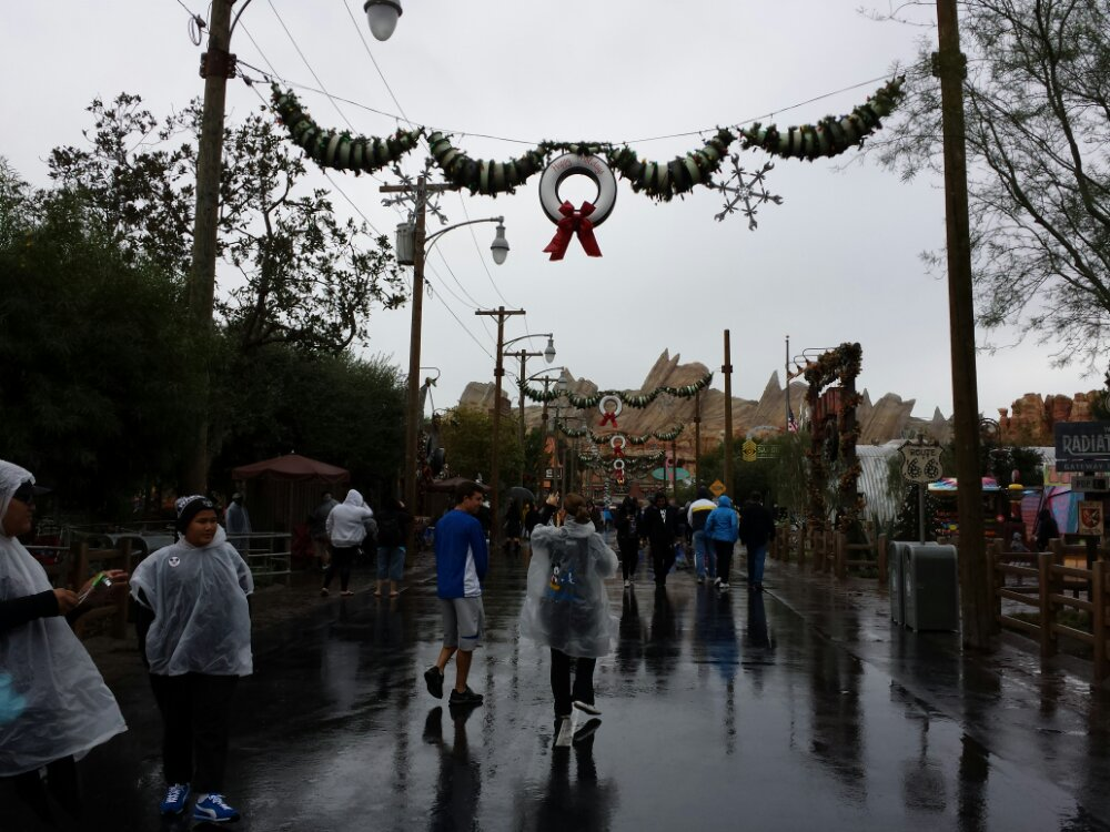 Even with the weather Route 66 has a fair number of guests #CarsLand