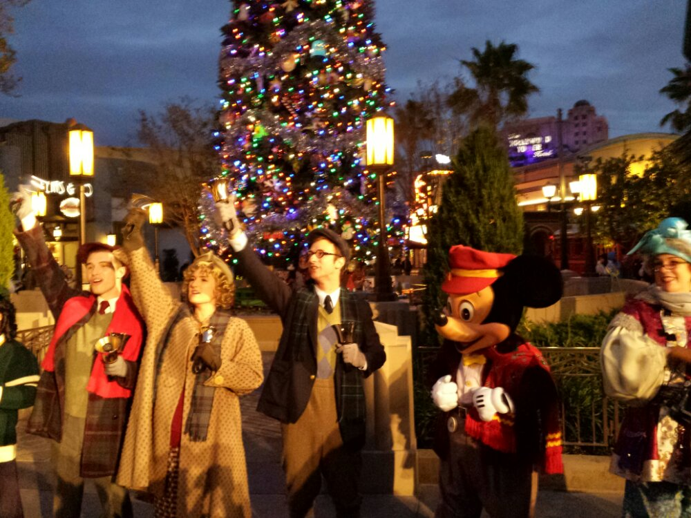 #BuenaVistaStreet tree lighting