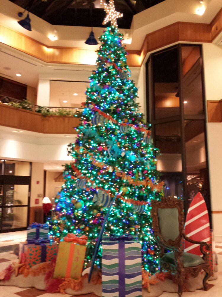 The Paradise Pier Hotel tree #DisneyHolidays
