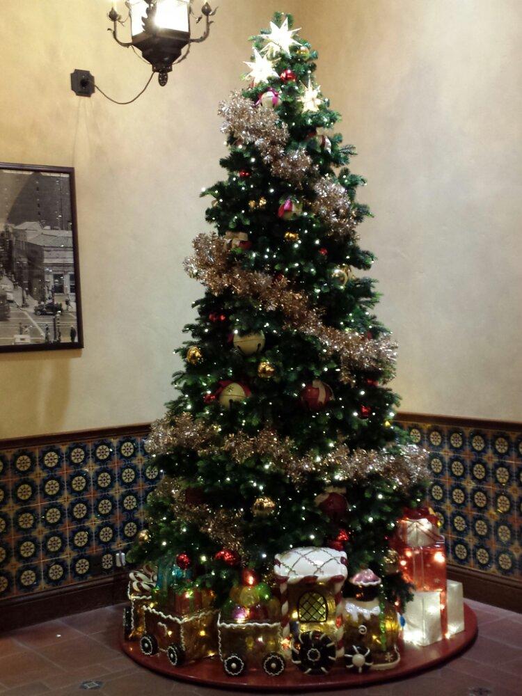 The Kingswell Camera Shop Christmas Tree #DisneyHolidays