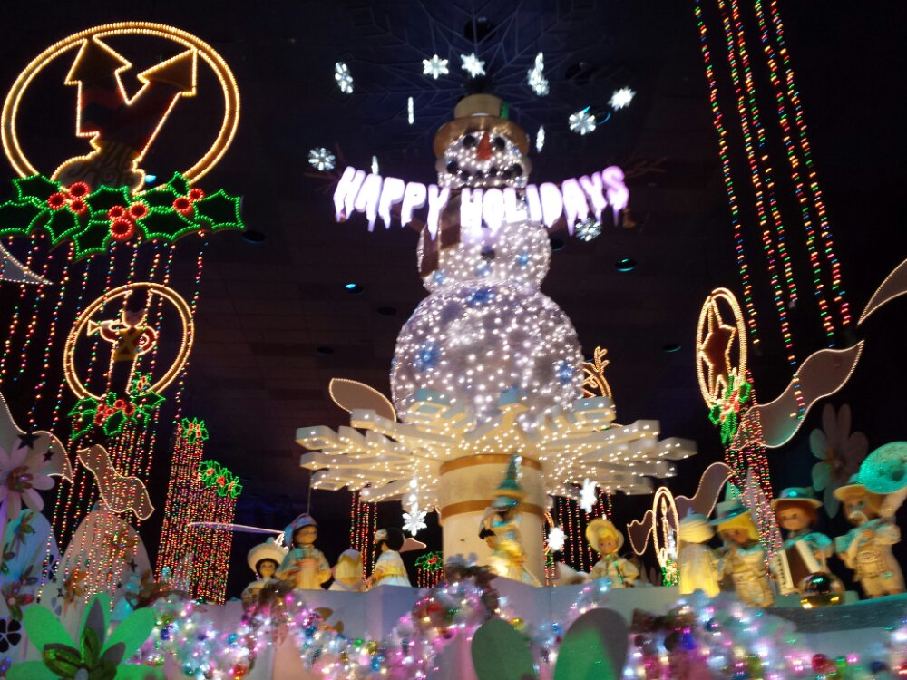 Small World Holiday finale #DisneyHolidays