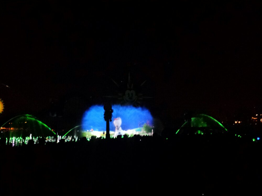 Caught the 1st #WorldOfColor from the standby area