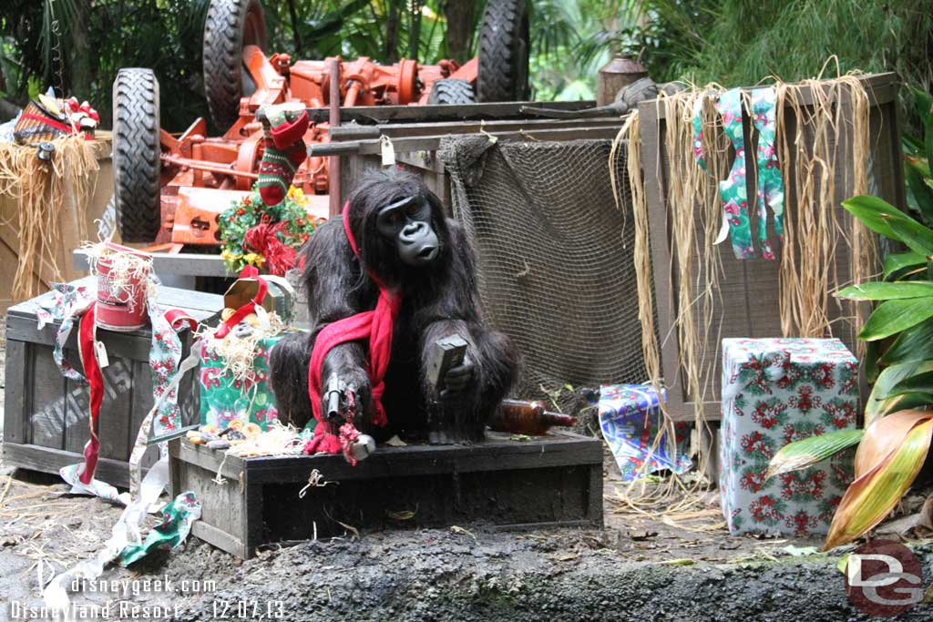 A couple Jingle Cruise Changes (Pics from 12/7) #DisneyHolidays