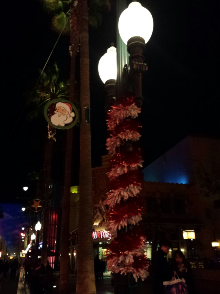 Hollywood Blvd Christmas Decorations #DisneyHolidays
