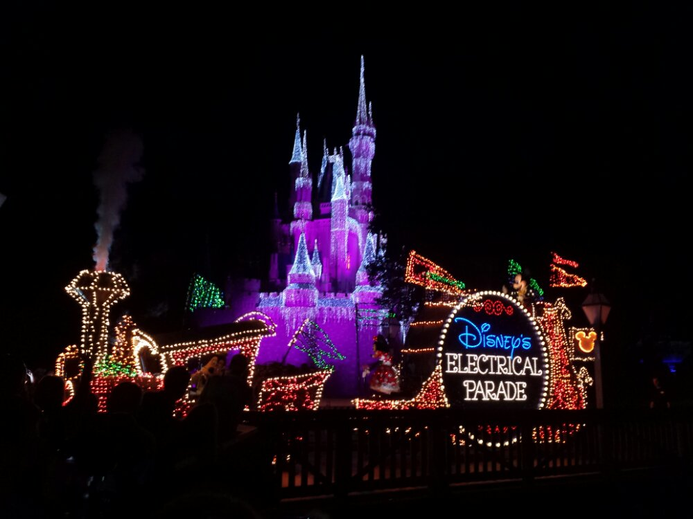 The Main Street Electrical Parade – Train