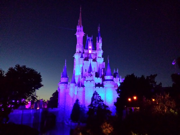 Cinderella Castle before the lighting event