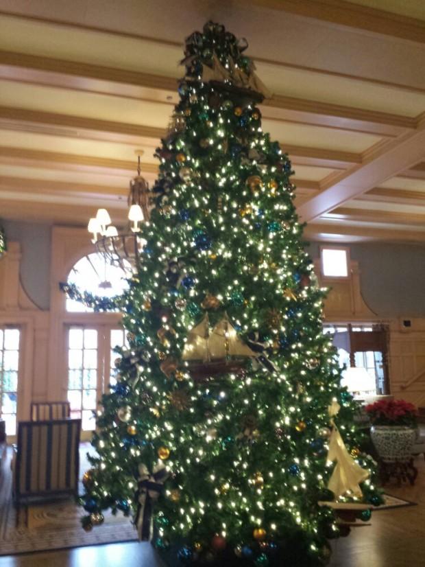 Yacht Club Lobby Christmas Tree