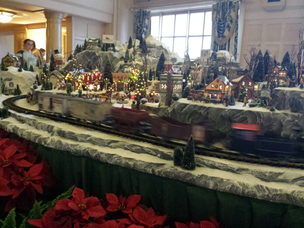 The Yacht Club Lobby train / village